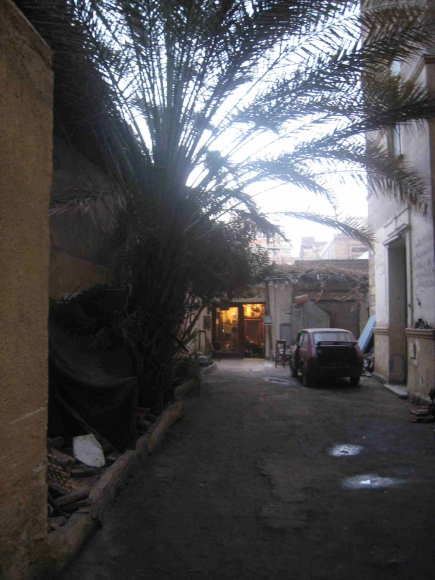 "<a class=""fancybox"" rel=""gallery-"" href=""http://passageways.clustermappinginitiative.org/sites/default/files/styles/largest/public/b1_001.jpg?itok=B7q09z65"" title="""">Enlarge</a><br >2013, Dec 26<br>"